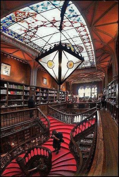 Visiter Porto avec moins de 150 euros : Livraria-Lello