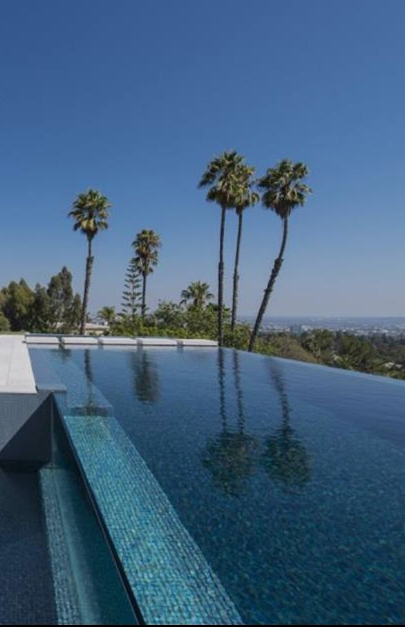 Luxury Pools - Beverly Hills