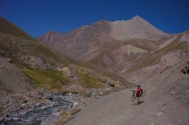 Ruta Baños Colina, camino al glaciar.....Cajon del Maipo.Chile