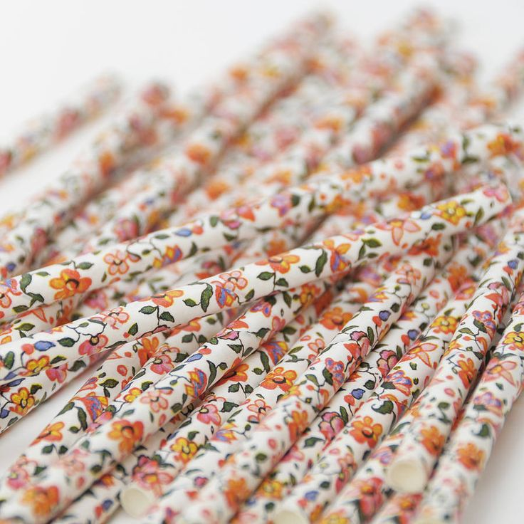 Floral Print Paper Straws. These flowery paper straws will add a vintage touch to any wedding reception, birthday party, sweet table or other celebration!