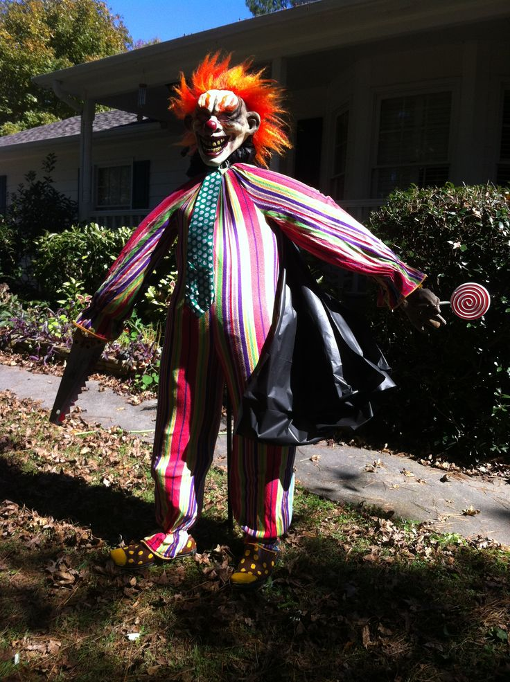 evil clown circus halloween yard want some candy - Scary Clown Halloween Decorations