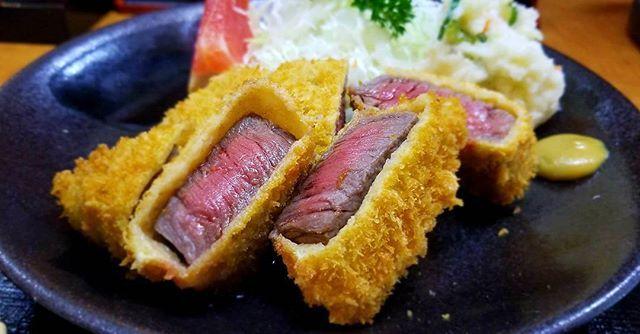 1人で自転車爆走してなんとか時間内に行けて食べられた🍴笑  #ビーフカツ #牛かつ #もはやステーキ #肉 #米沢 #ランチ #food #foodporn #lunch #japanesefood
