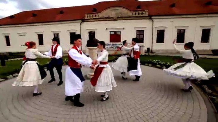 Motiva zenekar - Tánc - ének: Kovács Nóri