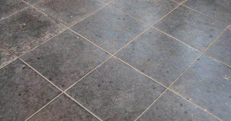 Como remover porcelanato do chão. Pisos de porcelanato são conhecidos pela sua durabilidade e desempenho. Eles são ótimos para pisos em que não se tem intenção de mexer por anos, mas podem ser um obstáculo quando se deseja removê-los. Por serem normalmente presos com uma camada fina de argamassa, o jeito mais eficaz de removê-los é levantando-os. Talvez algumas poucas pedras ...