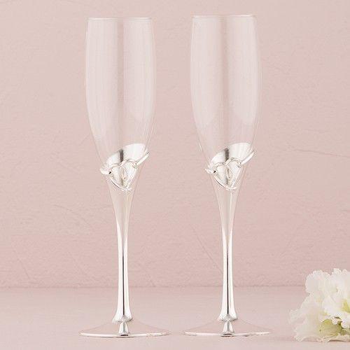 """Copas de boda """"Open heart"""" #hermosas #elegantes #clásicas ideal para una boda romántica en la parte de la base tiene unos #corazones #exclusivas de #ondinecollection #tienda en el #df"""
