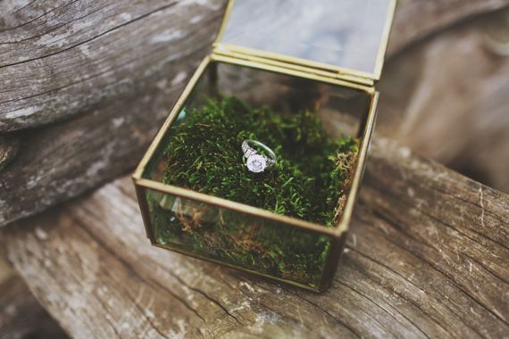 Woodland wedding inspiration | photos by W & E Photographie | 100 Layer Cake
