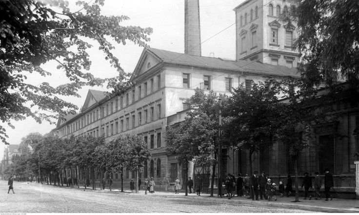 Zakłady Przemysłu Bawełnianego Ludwik Geyer S.A. - widok gmachu fabryki od strony ulicy.