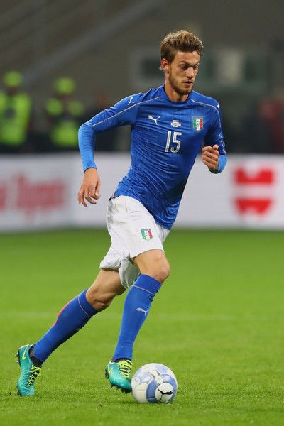 Daniele Rugani of Italy runs with the ball during the International Friendly Match between Italy and Germany at Giuseppe Meazza Stadium on November 15, 2016 in Milan, iitaly.