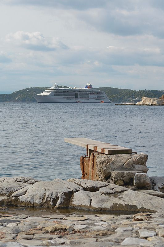 MS Europa 2, Skiathos http://www.luxify.de/test-ms-europa-2-mission-impossible-teil-2/