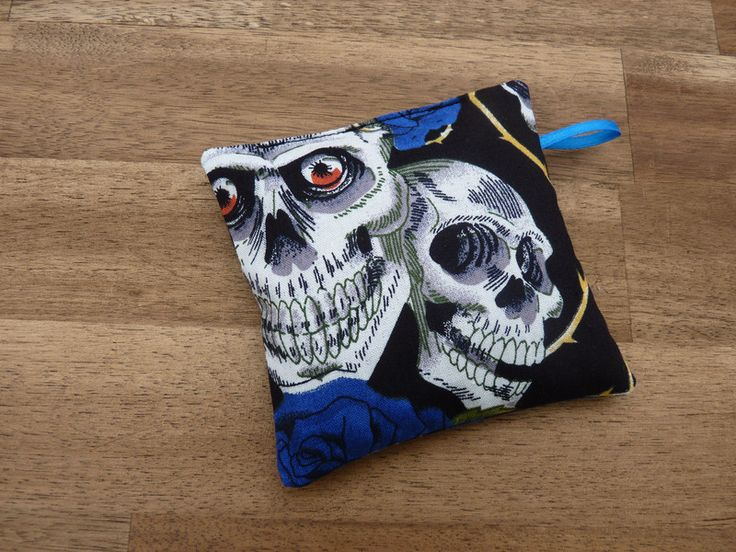 Weitere Accessoires - Lavendelkissen, Skull, blaue Rosen - ein Designerstück von KreaLavenda bei DaWanda