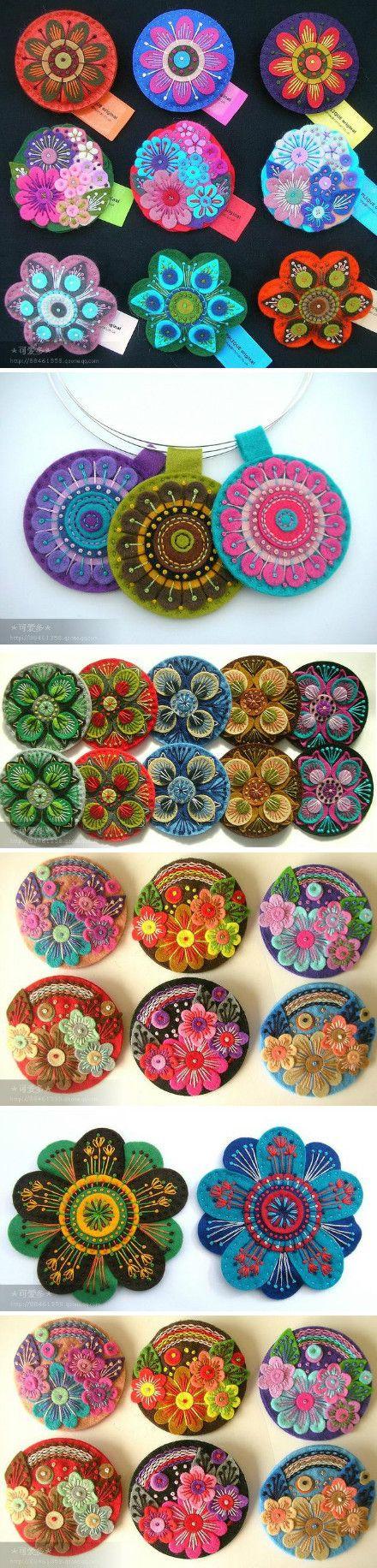 Flores de paño lenci con aplicaciones tejidas