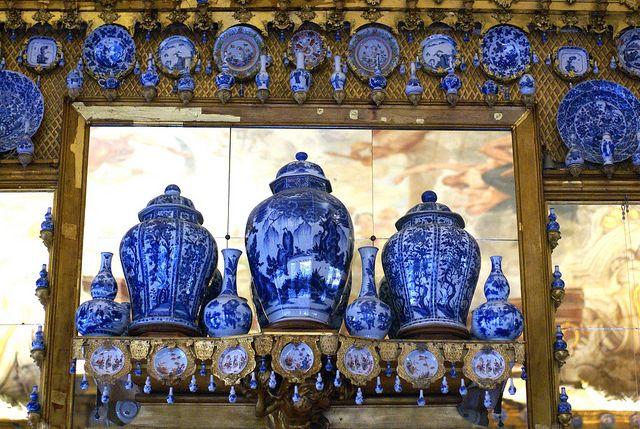 Berlin, Schloss Charlottenburg, Porzellankabinett (Charlottenburg Palace, porcelain cabinet) by HEN-Magonza, via Flickr: