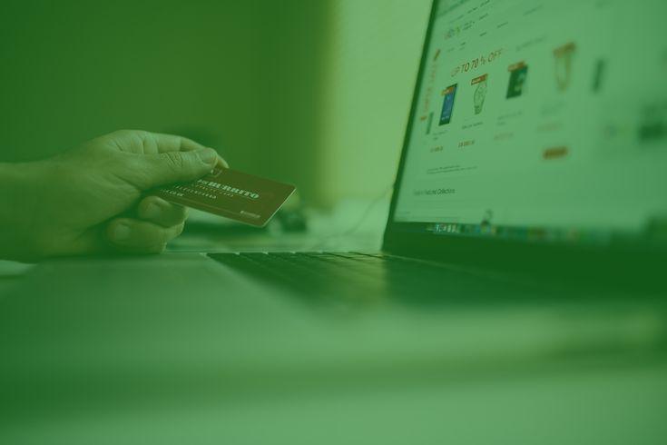 În 2017 valoarea comerțului online a ajuns la 2,8 miliarde de euro, astfel, românii au cheltuit zilnic, în medie, 7, 67 milioane de euro în piața online.