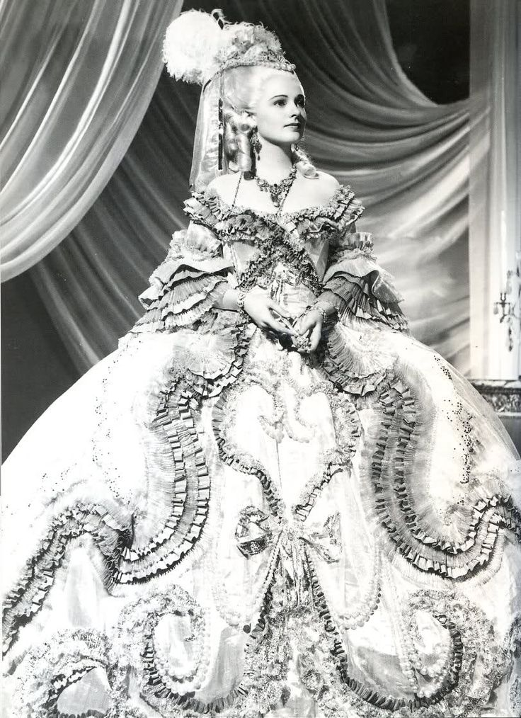"""Ruth Hussey in full costume for her  role as Gabrielle, Duchess of Polignac. MGM film, """"Marie Antoinette"""" 1938"""