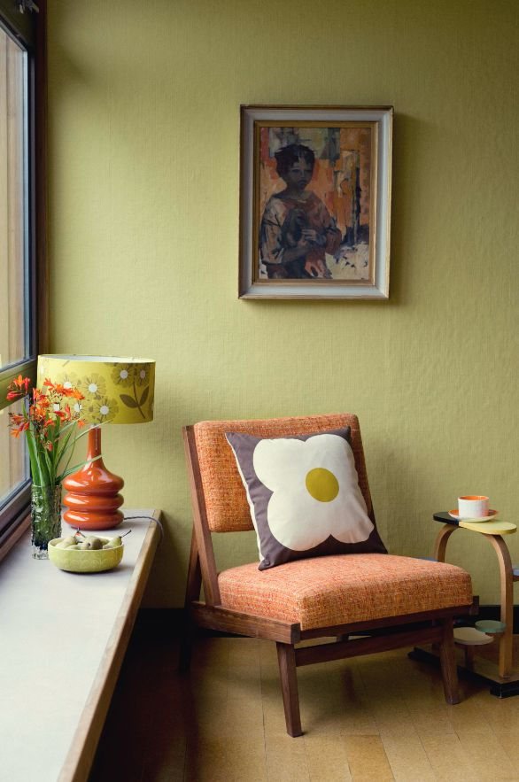 Orange home decor inspirations for your next interior design project. Check more midcentury pieces at http://essentialhome.eu/