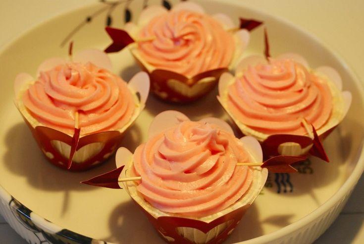 My Valentines Day cupcakes. See more at www.evabyeva.dk