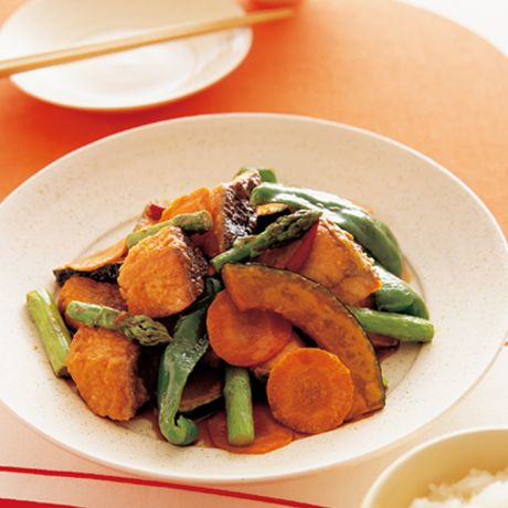 夏野菜と鮭の南蛮漬け | 村田裕子さんの揚げものの料理レシピ | プロの簡単料理レシピはレタスクラブニュース