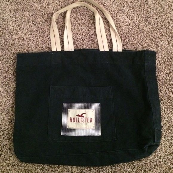 Navy blue Hollister tote bag Really great material, won't be breaking if you need to carry heavy stuff! Hollister Bags Totes
