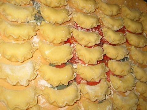 Фото к рецепту: Тесто на вареники и пельмени