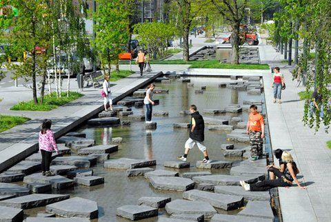 Roombeek  es una calle comercial y el núcleo urbano del distrito de Enschede, Países Bajos. Su diseño asimétrico, que se ensancha y se estrecha a lo largo de la calle, acentúa sus características espaciales diferentes.