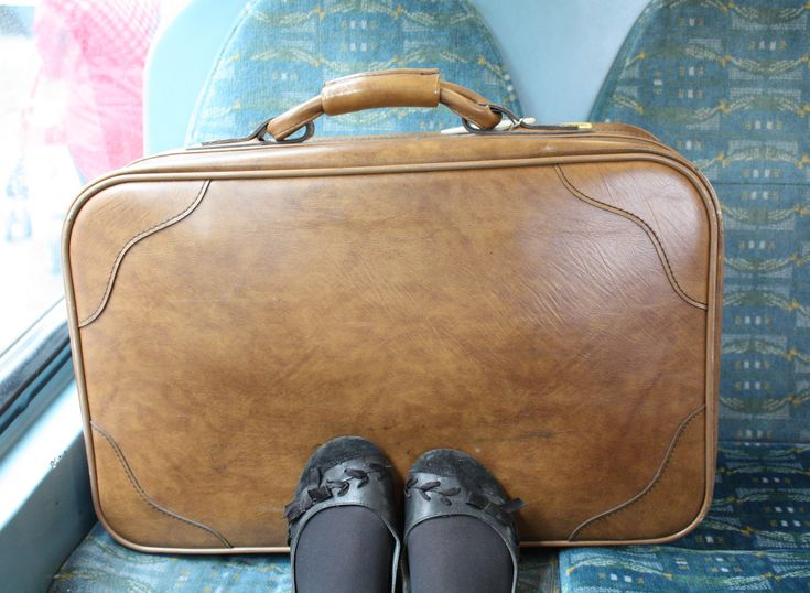 What it's Like When Your Life Fits in One Bag – On Your Terms https://onyourterms.com/what-it-s-like-when-your-life-fits-in-one-bag-cad78af02209 #DigiNomadMag #DigitalNomad