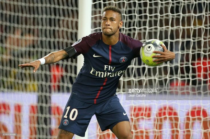 Neymar Jr of PSG celebrates his first goal during the French Ligue 1 match between Paris Saint Germain (PSG) and Toulouse FC (TFC) at Parc des Princes on August 20, 2017 in Paris, France.
