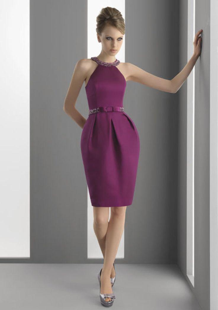 La colección de AIRE para invitadas deja claro que el morado será el color de la temporada. Monica Cruz nos muestra en exclusiva estos cuatro modelos que pueden valer tanto para una boda de día como para una boda de noche. ¿Os gusta este color? ¿Cómo lo combinarías?
