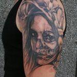 Estos son 122 tatuajes de la flaquita que hemos recopilado. Ya sabes que puedes subir tu tatuaje de la Santa Muerte desde aquí. La idea es armar una gran base de datos de tatuajes de nuestra niña para que todo aquel que quiera hacerse un tatuaje tenga modelos para elegir y pueda tomar la decisión …