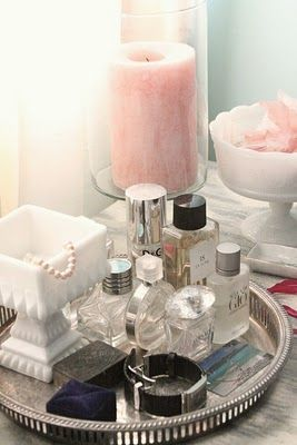 Organising perfumes/jewellery