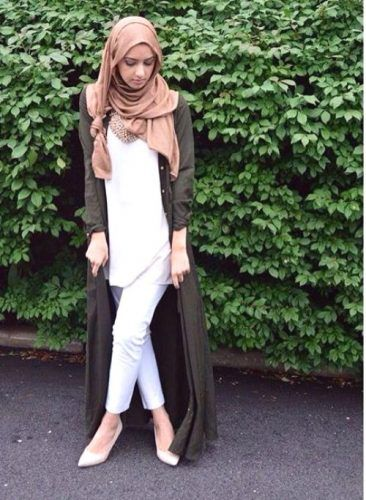 long black cardigan hijab outfit- How to wear long cardigan with hijab http://www.justtrendygirls.com/how-to-wear-long-cardigan-with-hijab/