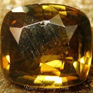 Batu mulia Natural Cushion Zircon Yellowish Brown 2.38 carat