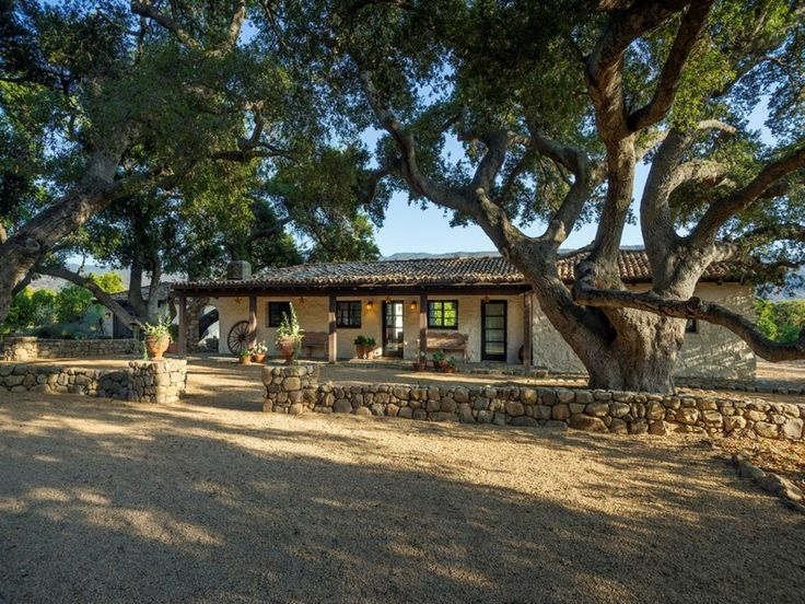 Best 20 santa barbara real estate ideas on pinterest for Hacienda ranch style homes