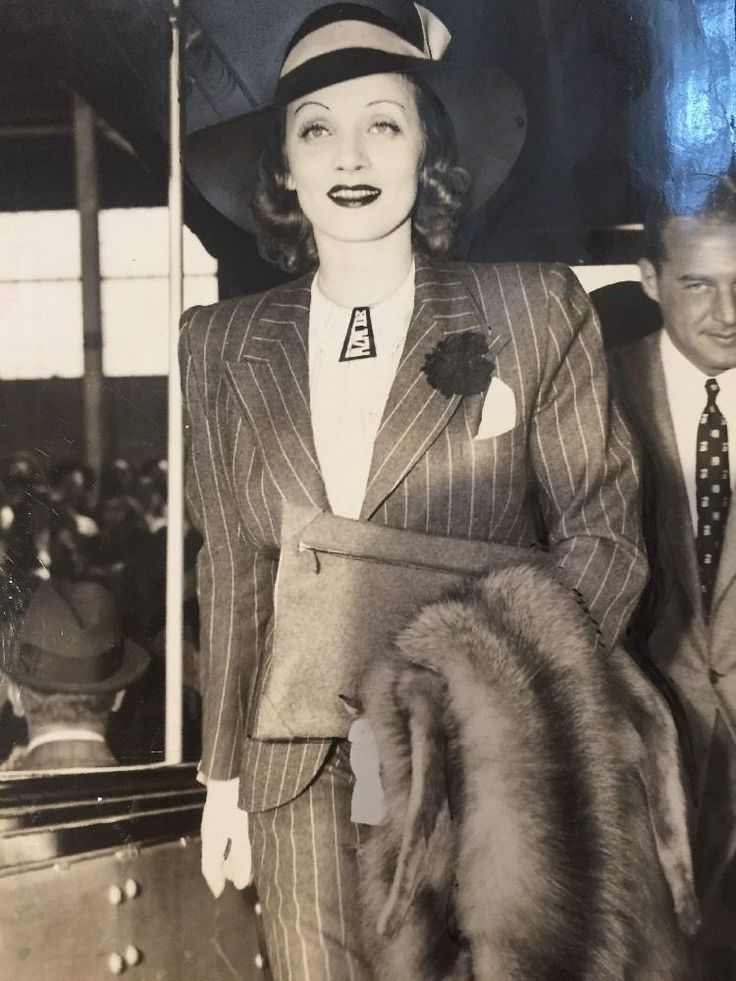 Marlene Dietrich News File Photo Of Her Boarding SS Queen Mary