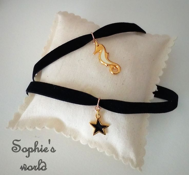 Choker handmade necklaces Τσόκερ χειροποίητα κολιέ μαύρα βελούδινα με επίχρυο ιππόκαμπο και αστεράκι #choker #necklace #handmade https://www.facebook.com/Sophies-world-712091558842001/