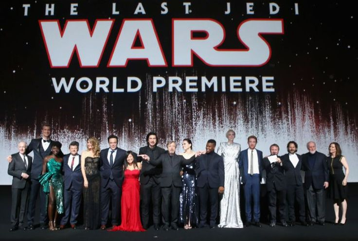 Star Wars fans in spoiler hysterics as beloved actor attends The Last Jedi premiere