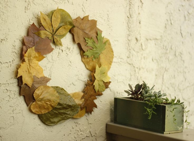 Make It Together: DIY Pressed Leaf Wreath - a beautiful collaborative project for the autumn season (would also be a beautiful decorative table ring with candles in the middle!) - Crafting Connections