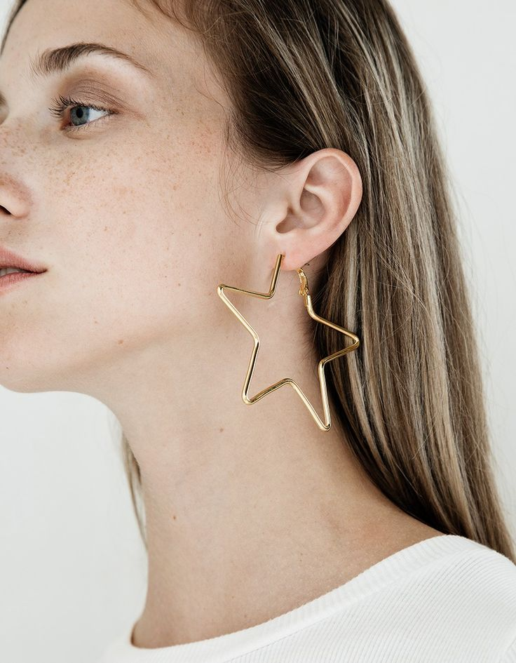 LARGE STAR EARRINGS IN GOLD #style #fashion #design #trend #onlineshop #shoptagr