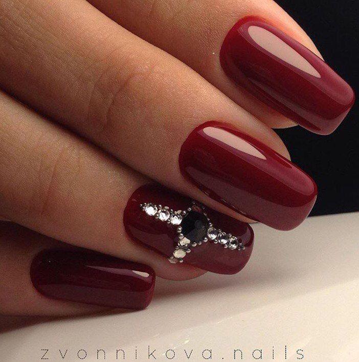 Autumn nails, Fall nails 2016, Fashion autumn nails, Festive maroon nails, Maroon nails, Maroon nails by gel polish, Novelty of fall nails, October nails