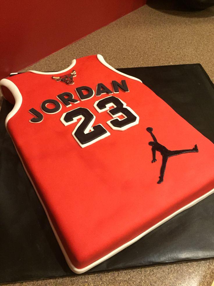 Chicago Bulls Jordan jersey cake