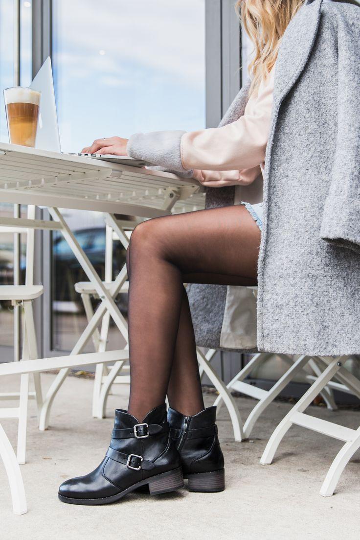 Cool zum Kleid oder zur Skinny Jeans. Diese schwarzen Stiefeletten sind ein Must-Have in diesem Winter! #derschuhmeineslebens #paulgreen #paulgreenlovesyou