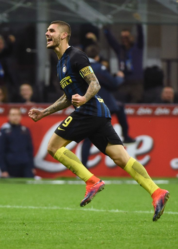 Mauro Icardi of FC Internazionale celebrates his second goal during the Serie A match between FC Internazionale and FC Torino at Stadio Giuseppe Meazza on October 26, 2016 in Milan, Italy.