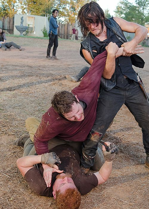 Daryl and Abraham in The Walking Dead Season 6 Episode 11 | Knots Untie