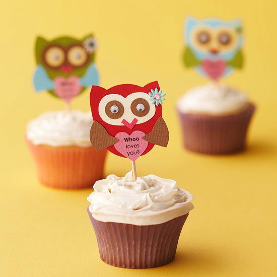 Whoo Loves You Cupcake