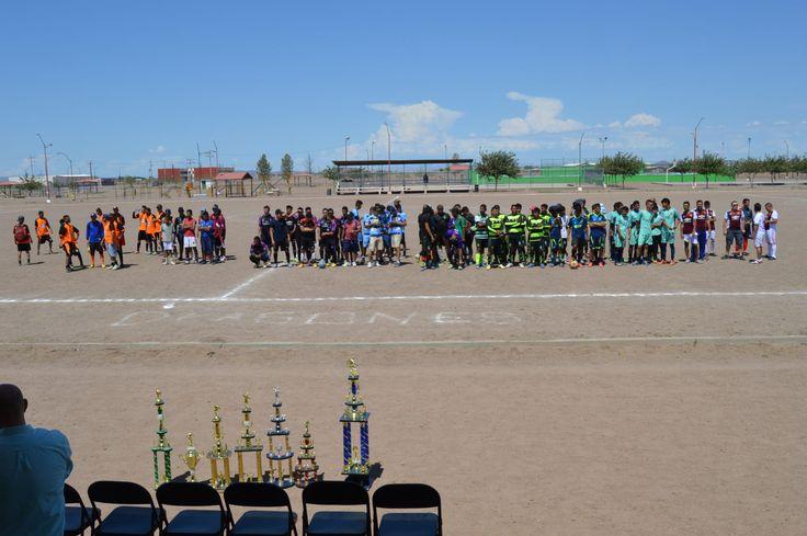El pasado domingo, se llevó a cabo la inauguración del torneo de futbol soccer temporada 2017 en la que estuvieron 8 de los 10 equipos a participar...
