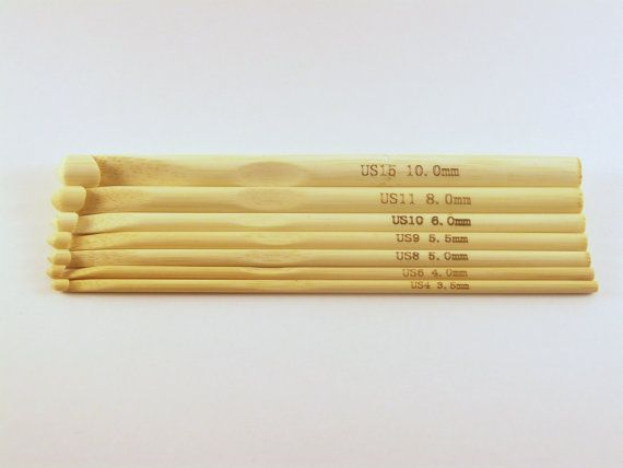 These wooden bamboo crochet hooks are 6 or 15 cm in length. They are sold individually or as a full set.