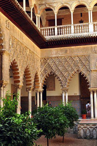 Sevilla : Alcázar : Patio de las Doncellas, Spain
