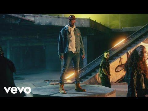 Chris Brown ed Usher super ballerini nel video per Party, la nuova canzone di Chris.