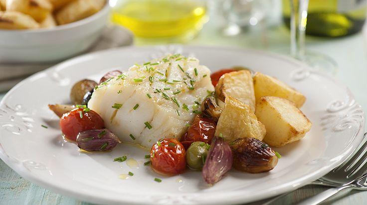 La Ricetta della Rana Pescatrice: scopri come realizzare in pochi passaggi un delizioso secondo di pesce a base di rana pescatrice al forno, patate e olive