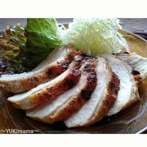 節約はやうま!~焼肉のたれで簡単~鶏むね肉のローストチキン(作りおき)+by+YUKImamaさん+|+レシピブログ+-+料理ブログのレシピ満載! お弁当はもちろん、朝パンに挟んでも^^ 焼肉のたれを使って簡単に魚焼きグリルでロースとチキンはいかがでしょう★ ヨーグルトとタレに漬け込んで焼くだけなので、バーベキューやお弁当にもお楽しみ下さ...