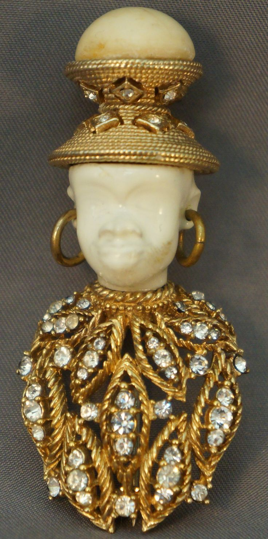 RARE White Vintage Ciner Blackamoor Huge Rhinestone Jeweled Pin Brooch.
